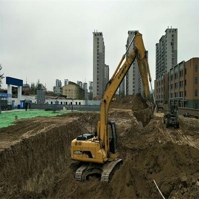 东昌府区区长刘培国一行领导莅临实验幼儿园 施工现场视察指导